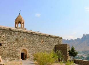 Meghri_church